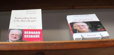Entre les auteurs et les lecteurs...