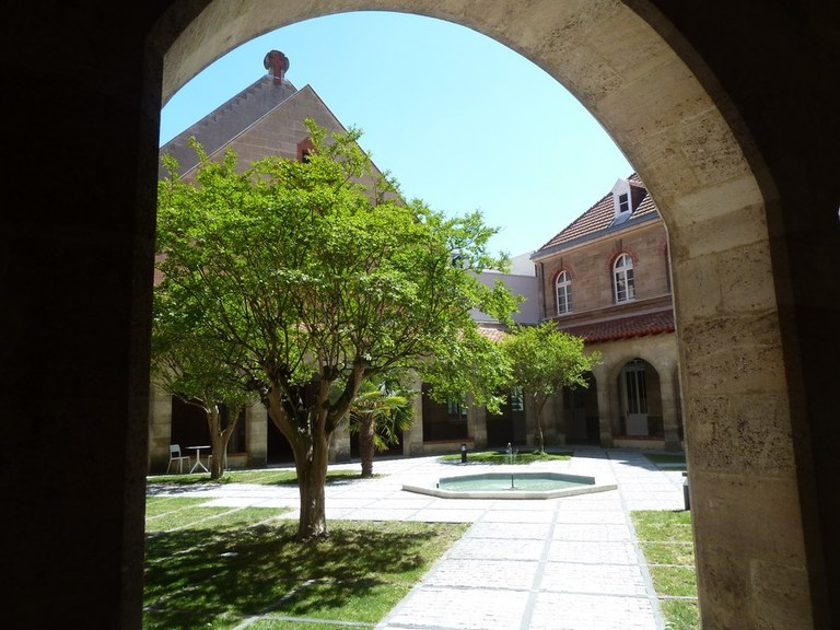 Le cloître de la Maison saint Louis Beaulieu